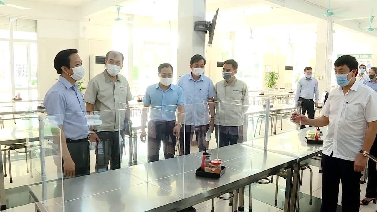 """Ban Quản lý các khu công nghiệp tỉnh Ninh Bình thực hiện """"mục tiêu kép"""" đạt nhiều chỉ tiêu tăng trưởng"""